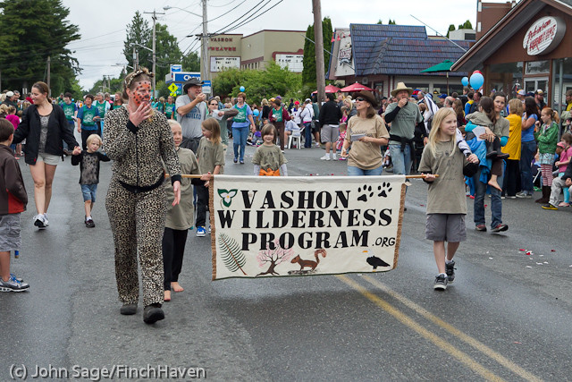 7151_Strawberry_Festival_Grand_Parade_2011