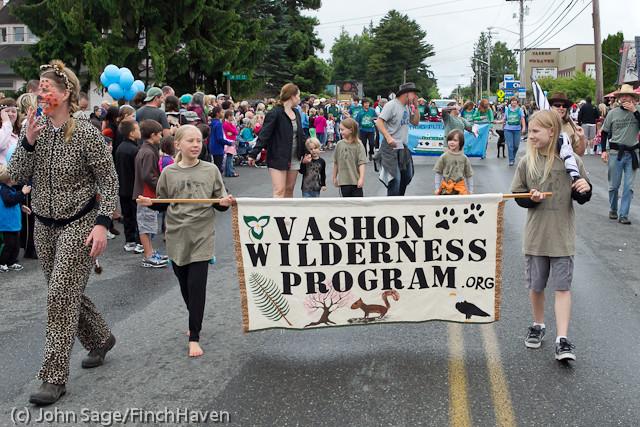 7154 Strawberry Festival Grand Parade 2011