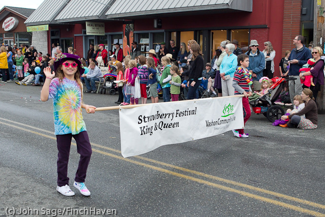 7216 Strawberry Festival Grand Parade 2011