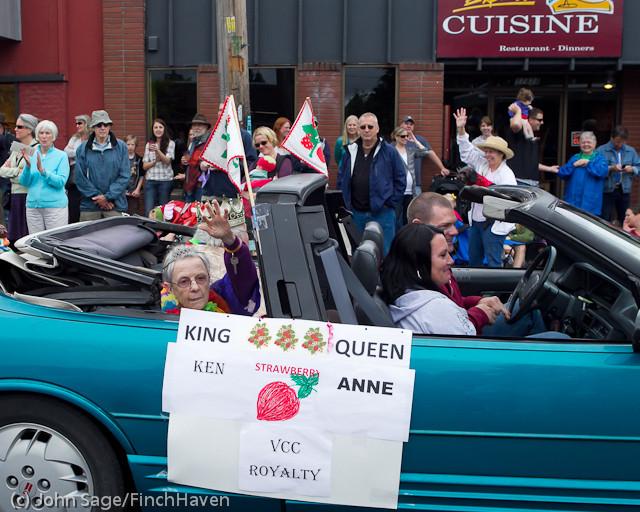 7218 Strawberry Festival Grand Parade 2011