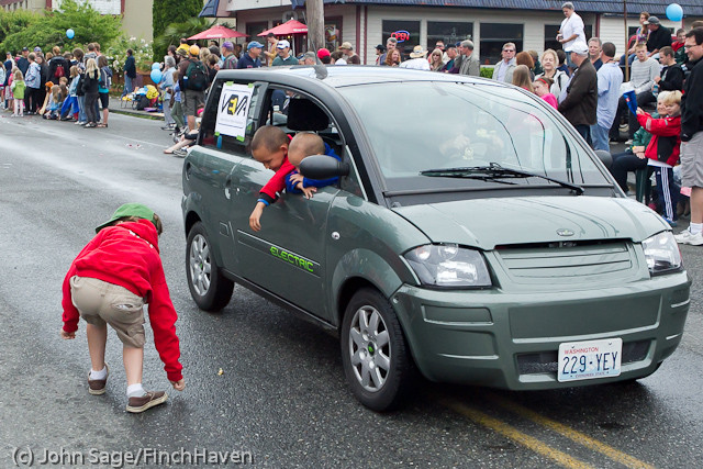7255 Strawberry Festival Grand Parade 2011