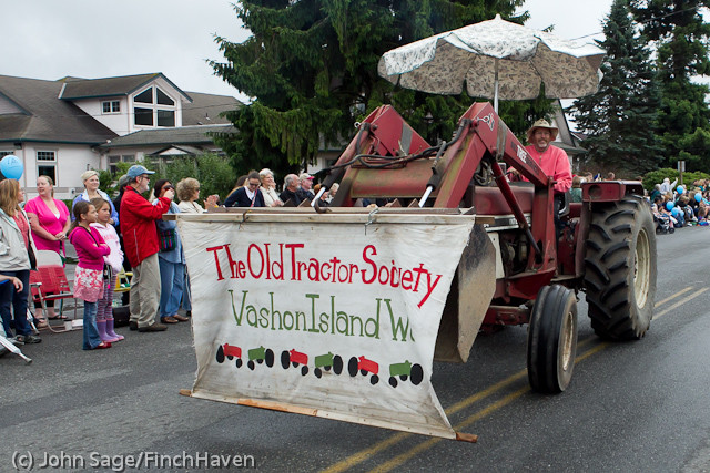 7288_Strawberry_Festival_Grand_Parade_2011
