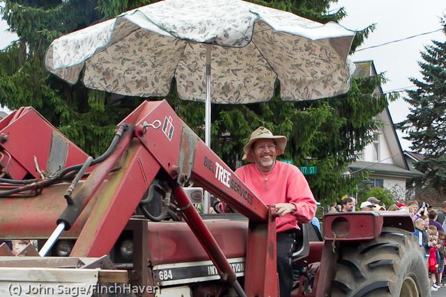 7289 Strawberry Festival Grand Parade 2011