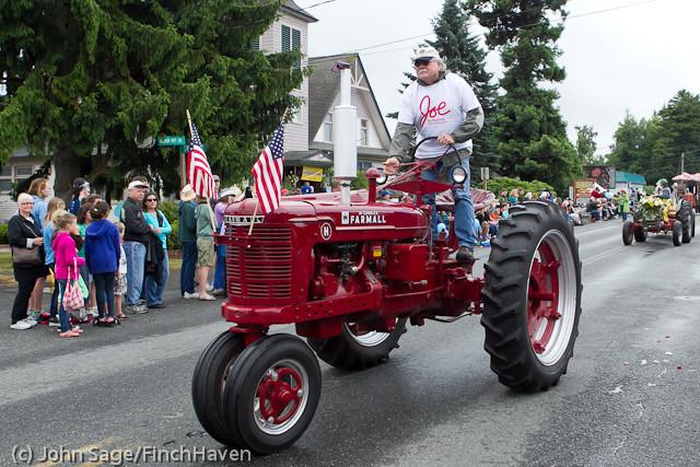 7294 Strawberry Festival Grand Parade 2011