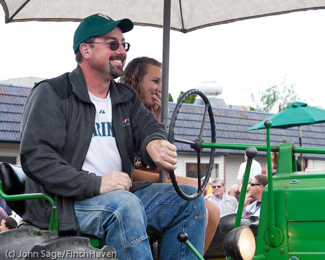 7363 Strawberry Festival Grand Parade 2011