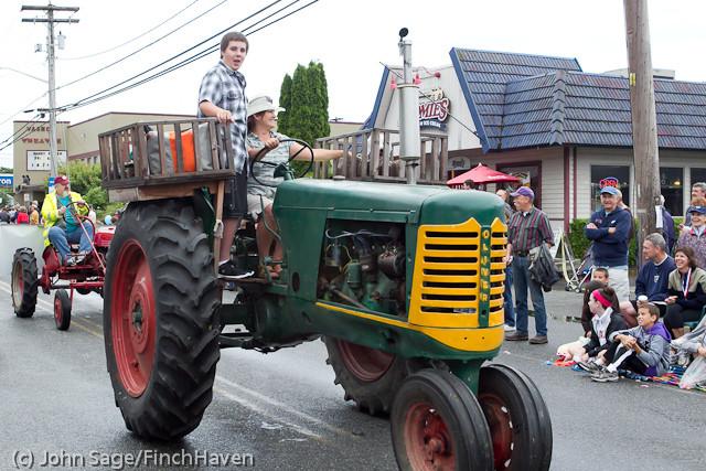 7367 Strawberry Festival Grand Parade 2011