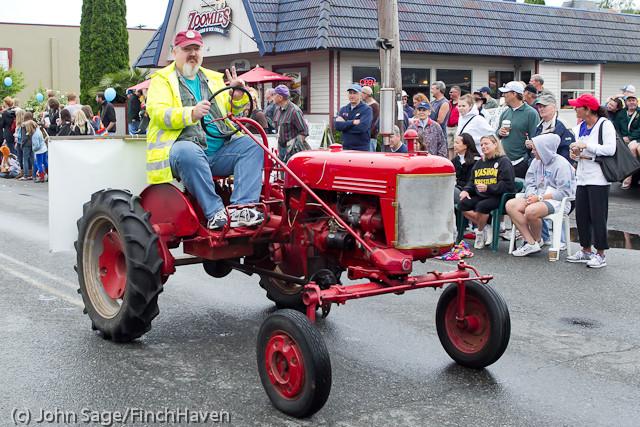 7371 Strawberry Festival Grand Parade 2011