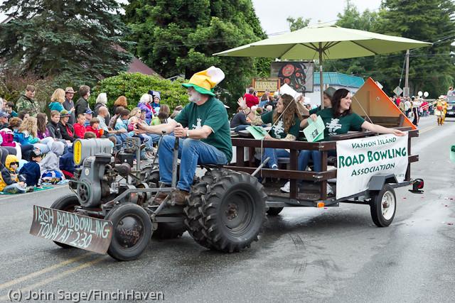 7375 Strawberry Festival Grand Parade 2011