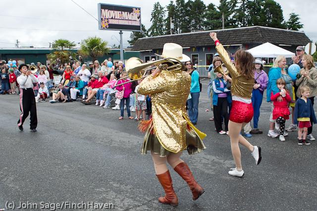 7390 Strawberry Festival Grand Parade 2011