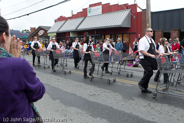 7524_Strawberry_Festival_Grand_Parade_2011