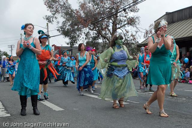 7679 Strawberry Festival Grand Parade 2011