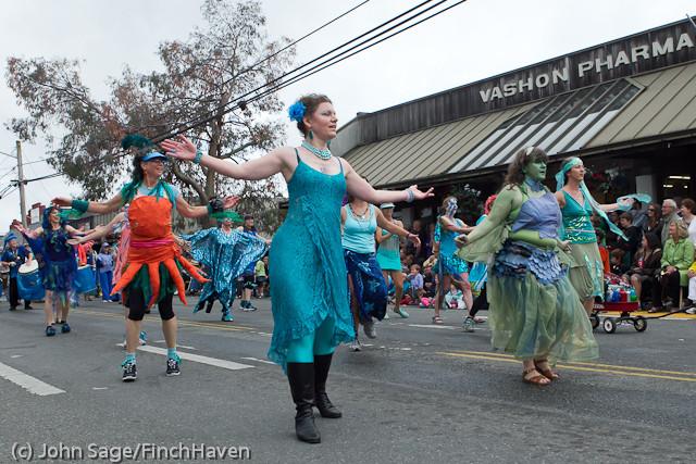 7680 Strawberry Festival Grand Parade 2011