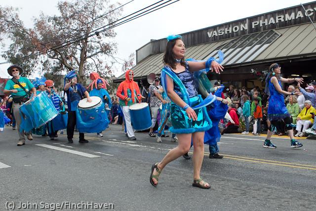 7690 Strawberry Festival Grand Parade 2011