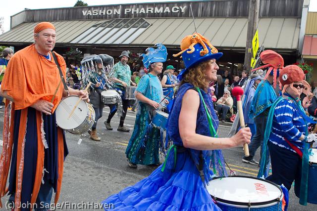 7698 Strawberry Festival Grand Parade 2011