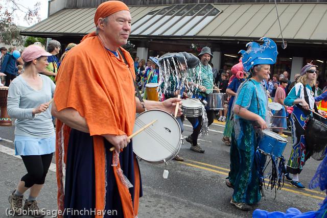 7699 Strawberry Festival Grand Parade 2011