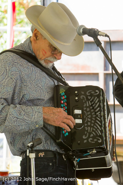 19730_Riptide_Ramblers_at_the_Beer_Garden_2012