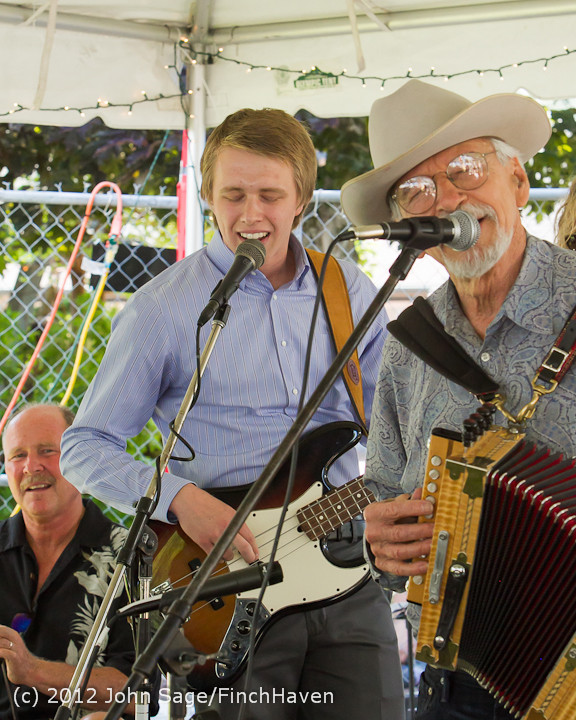19851 Riptide Ramblers at the Beer Garden 2012