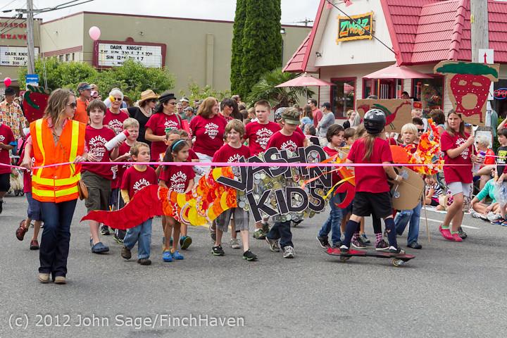 7652 Strawberry Festival Kids Parade 2012