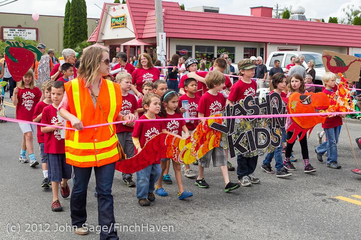 7654 Strawberry Festival Kids Parade 2012