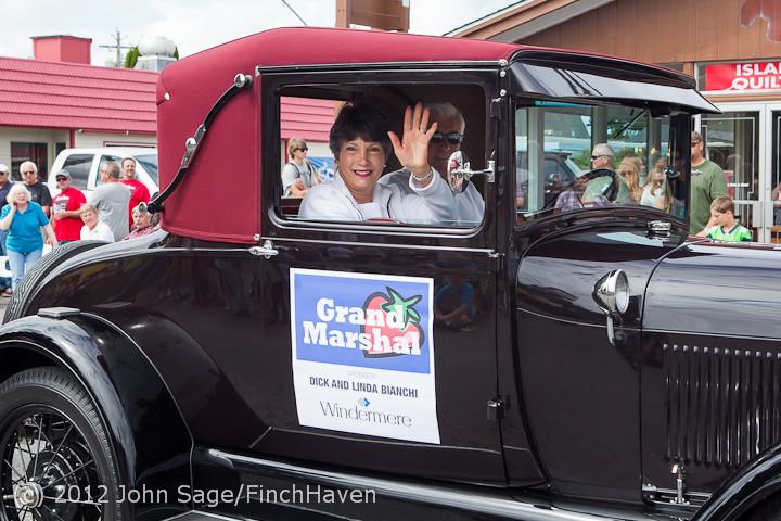 7759 Strawberry Festival Grand Parade 2012
