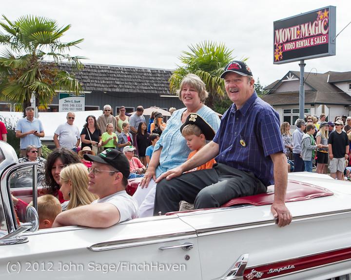 7776_Strawberry_Festival_Grand_Parade_2012