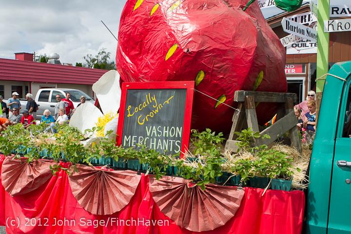 7781 Strawberry Festival Grand Parade 2012