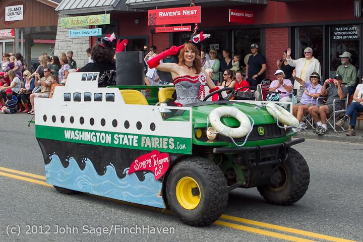 7849-a Strawberry Festival Grand Parade 2012