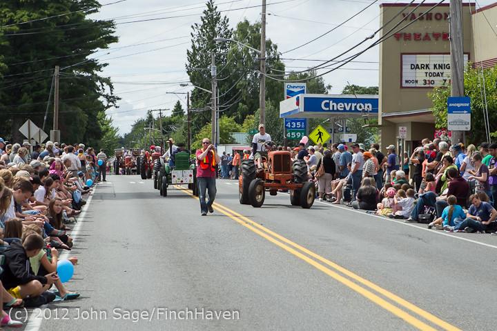 7892 Strawberry Festival Grand Parade 2012