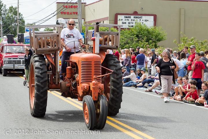 7913 Strawberry Festival Grand Parade 2012