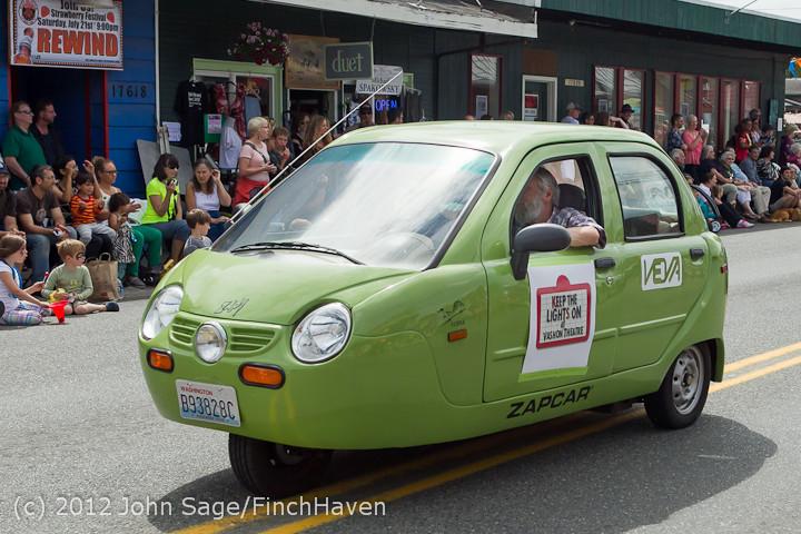 7966 Strawberry Festival Grand Parade 2012