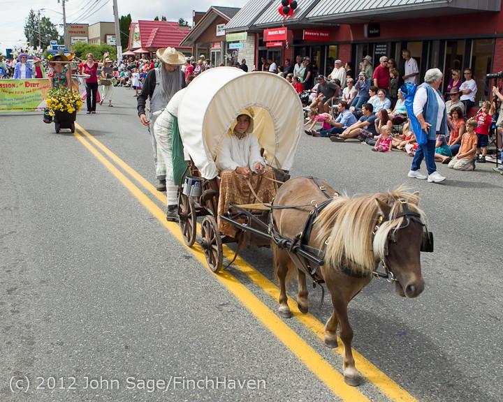 7993 Strawberry Festival Grand Parade 2012