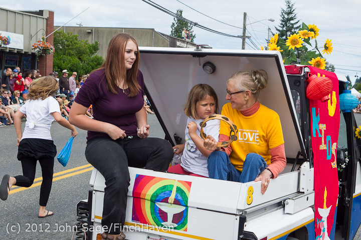 8044 Strawberry Festival Grand Parade 2012