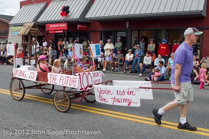 8072 Strawberry Festival Grand Parade 2012