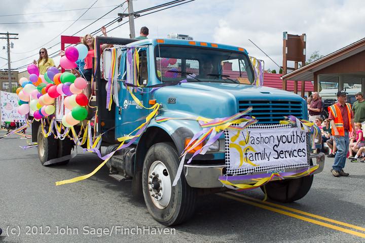 8153 Strawberry Festival Grand Parade 2012