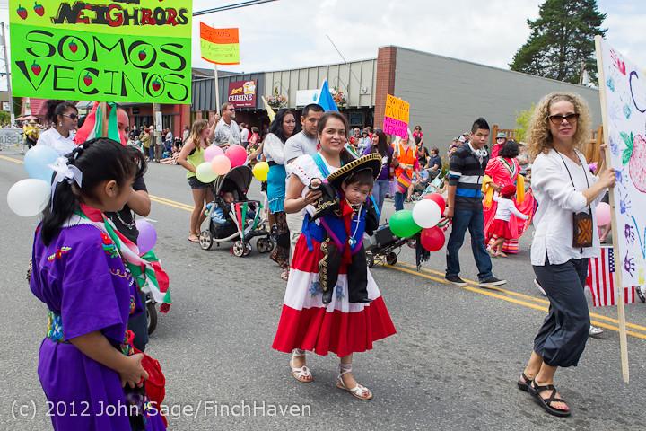 8189 Strawberry Festival Grand Parade 2012
