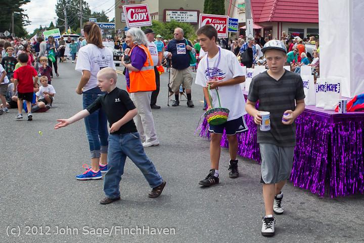 8348 Strawberry Festival Grand Parade 2012