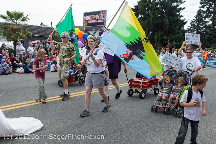 8435 Strawberry Festival Grand Parade 2012
