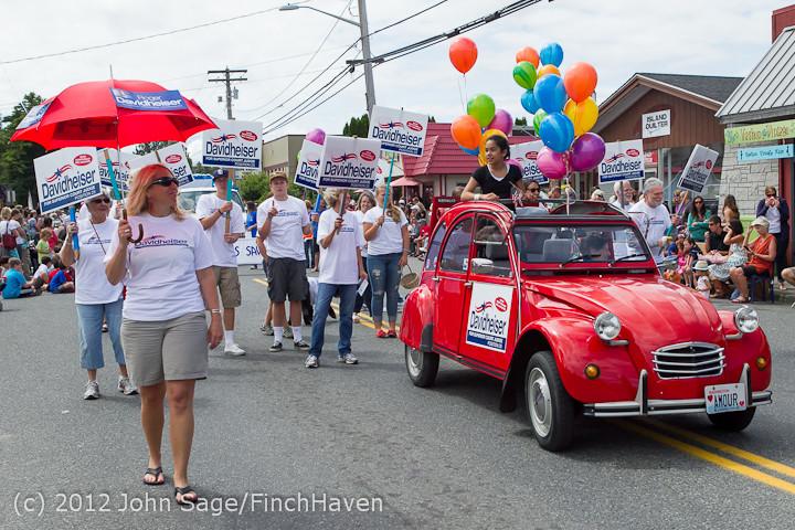 8499 Strawberry Festival Grand Parade 2012
